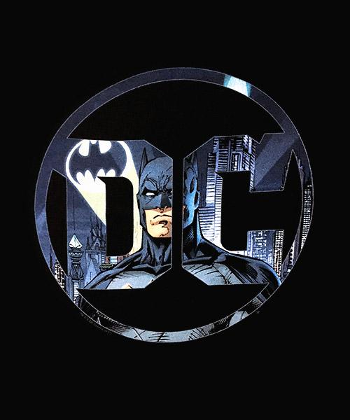 Cine Camiseta Batman en el Logo DC